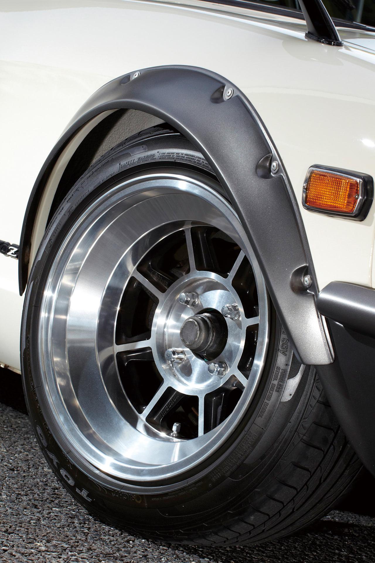 フェアレディ240Zのタイヤとホイール