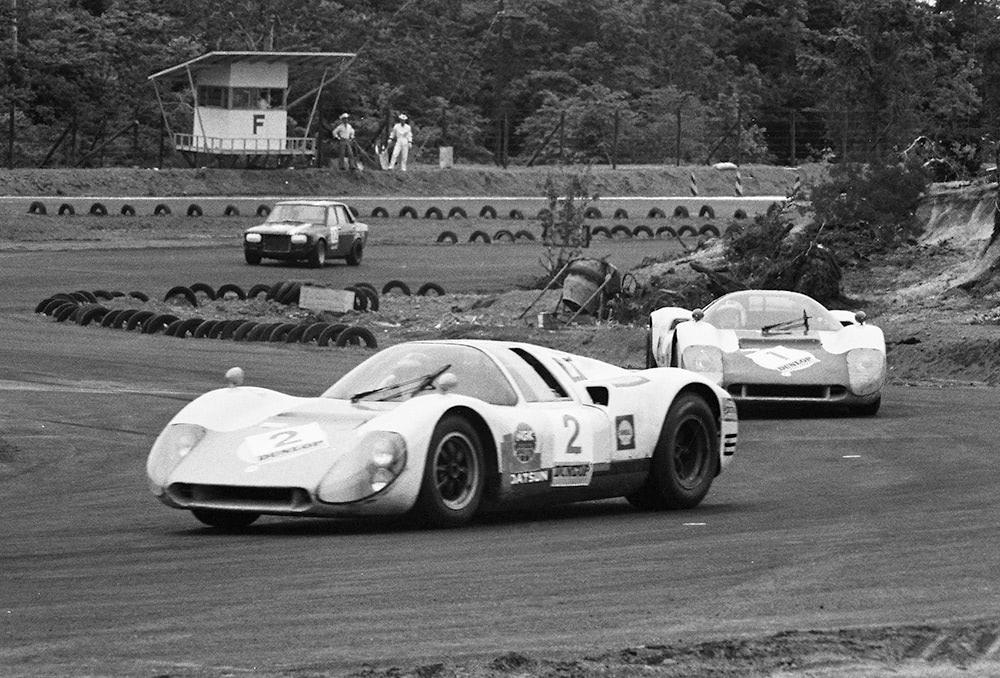 レーシングカー R380 サーキット