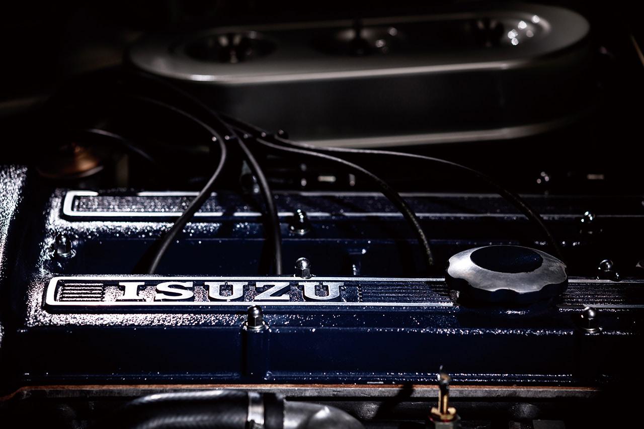 117クーペ エンジンヘッドカバー