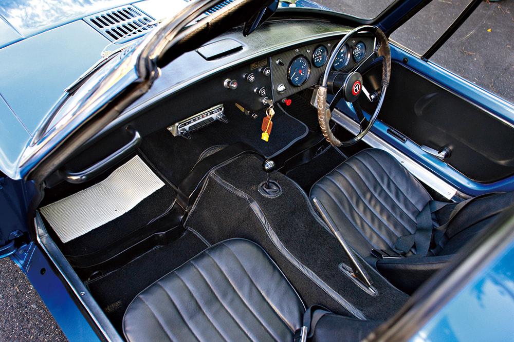 トヨタスポーツ800の座席