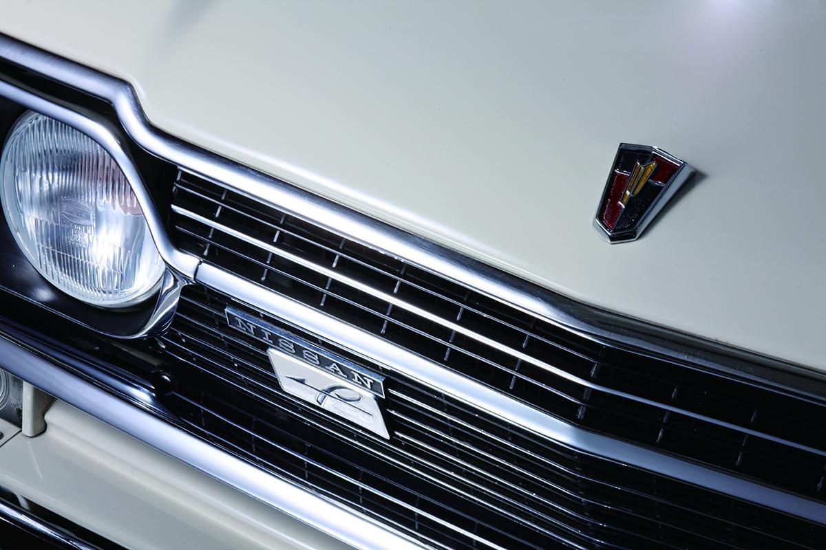 エンジンプレートにはプリンスと日産の両方の名が刻まれた1台|67年式 ...